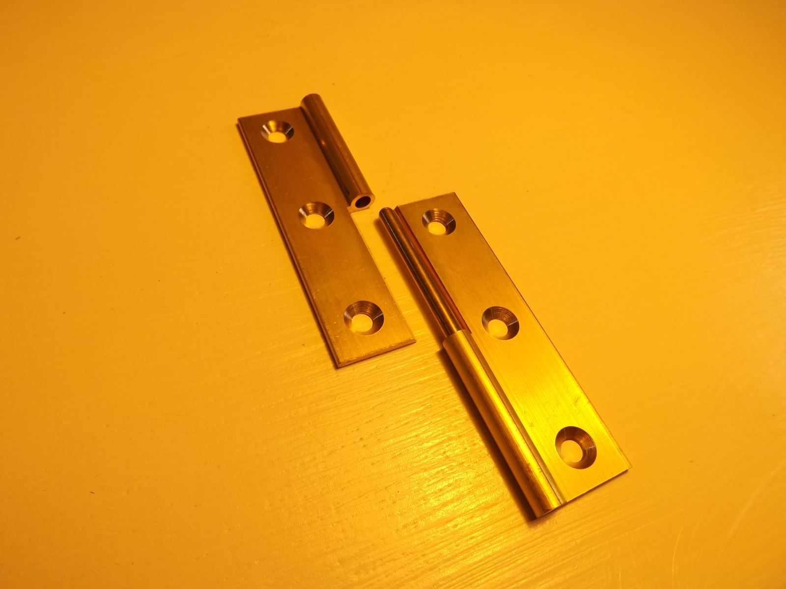 Lift Off Brass Hinges (Right Hand) IS06